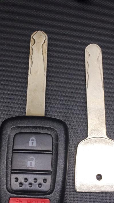auto lock keys